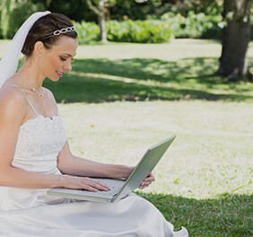 Online event planning tools for brides and hosts