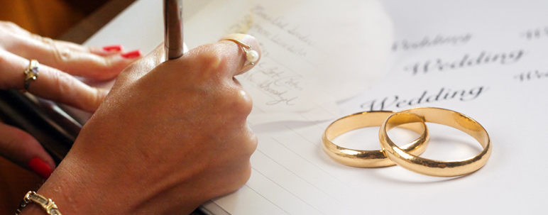 Organize your wedding planning with these tips