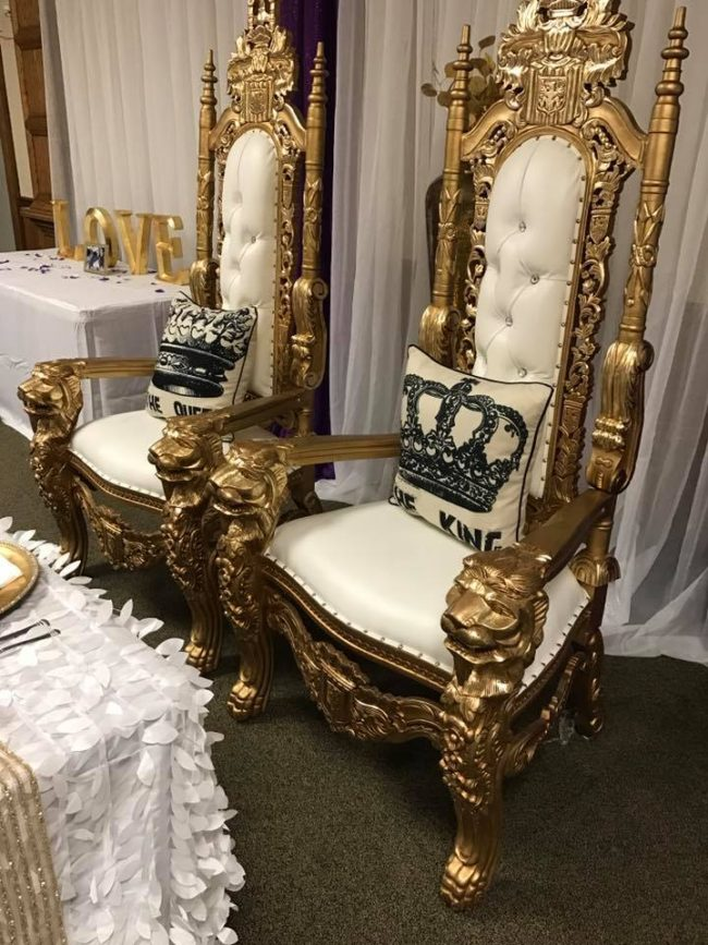 replaced with king and queen white and gold lion head throne chairs