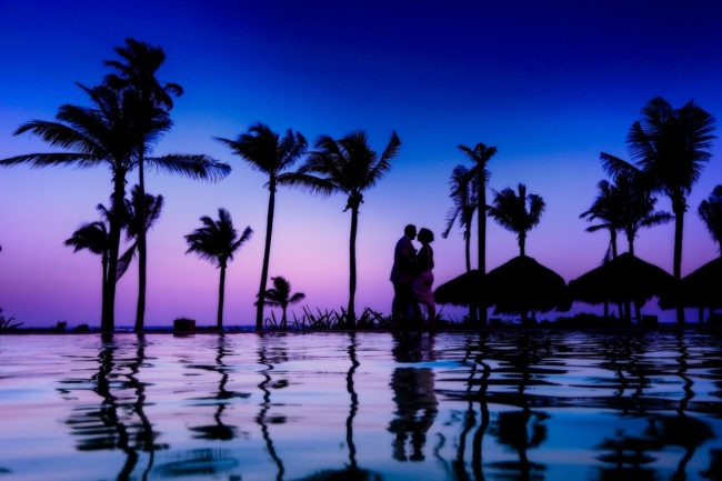 how to save money on honeymoon
