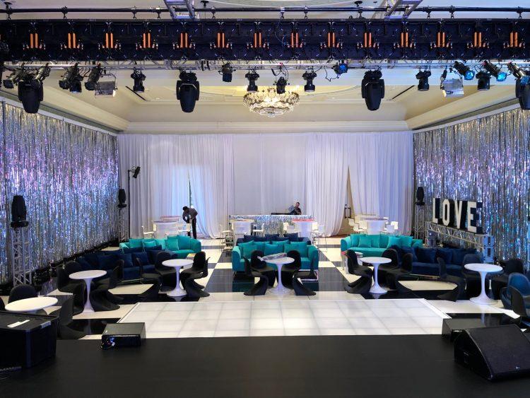 lounge with dance floor