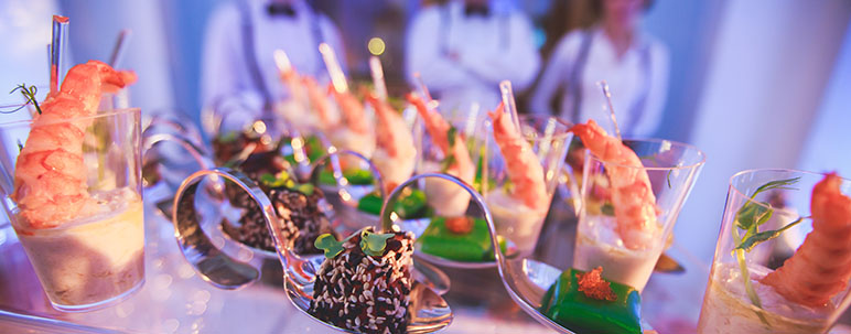 selecting event caterer